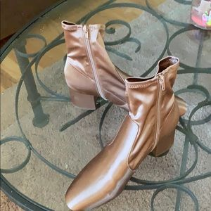 Unisa Rose Gold size 10 boots.  Perfect condition